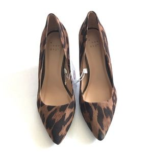 NWT Faux Leather Leopard Heeled Pumps Size 6.5